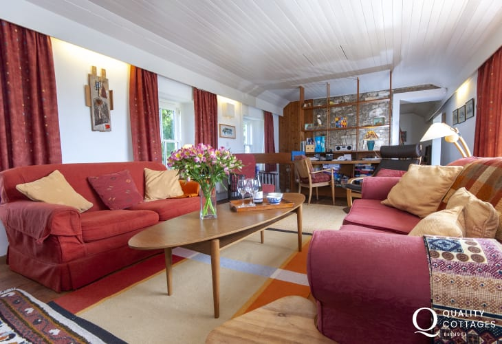 Farmhouse for holidays near Druidston Beach, Pembrokeshire - first floor spacious living room