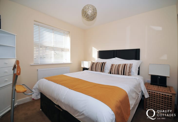 Conwy Castle holiday cottage - double bedroom