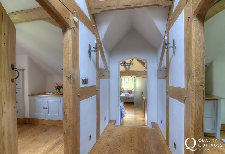 Black Mountains holiday cottage - hall