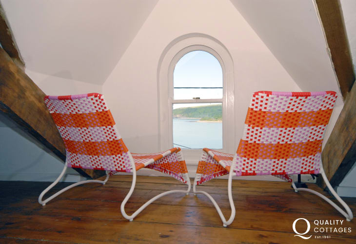 Cardigan Bay coastal holiday home - attic room with sea views