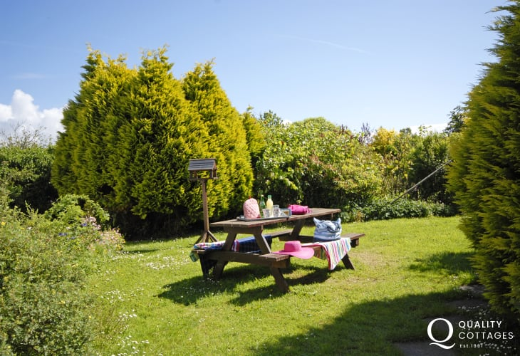 Nolton Haven holiday cottage-garden