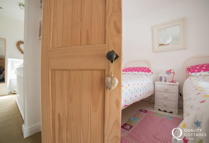Holiday cottage Morfa nefyn sleeping 6 - twin bedroom