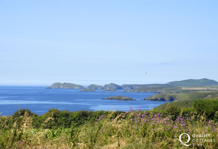 Breathtaking sea views from the gardens to Skomer and Ramsey Islands
