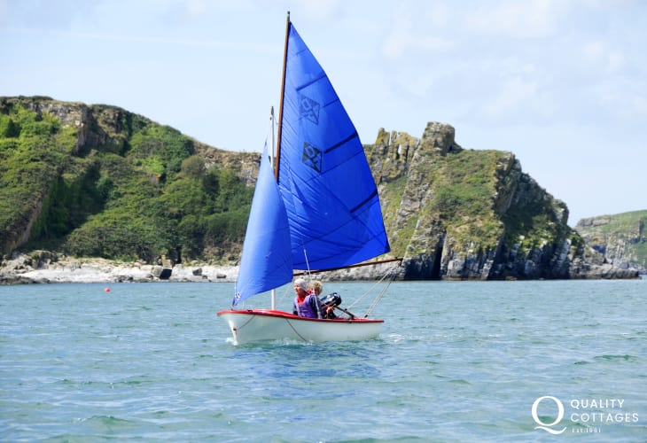 Learn how to sail or drive a small powerboat with Solva Sailboats sailing school