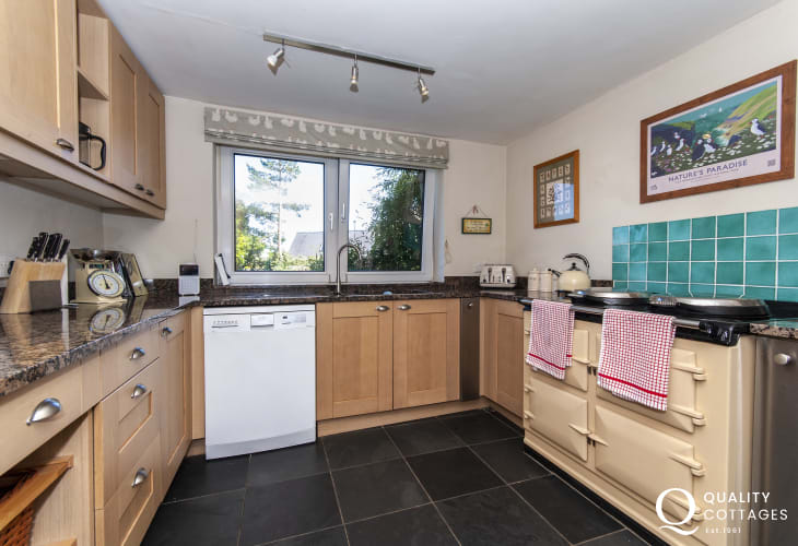 Self-catering Pembrokeshire holiday cottage near Newport  - kitchen with Aga