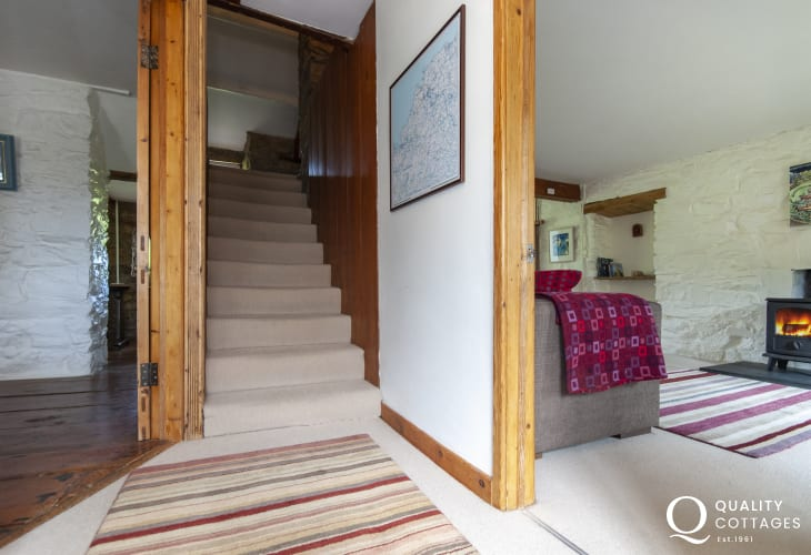 Moylgrove village cottage for rent - entrance hall