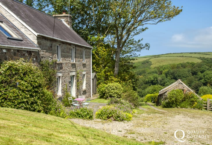 Rural retreat holiday cottage near Newport