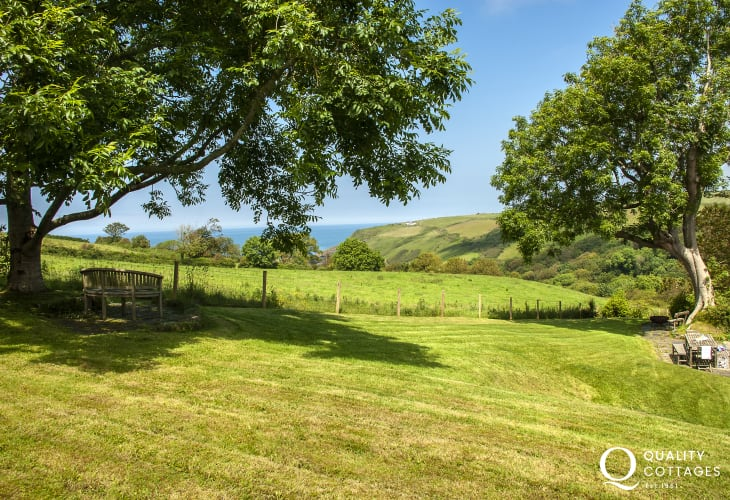 Cardigan Bay holiday cottage with private gardens and sea views