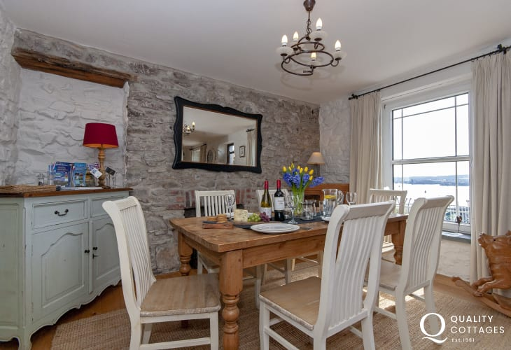 Neyland Marina  holiday cottage - open dining area with river views