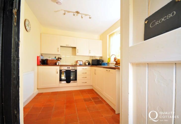 Coed y Brenin holiday cottage - kitchen
