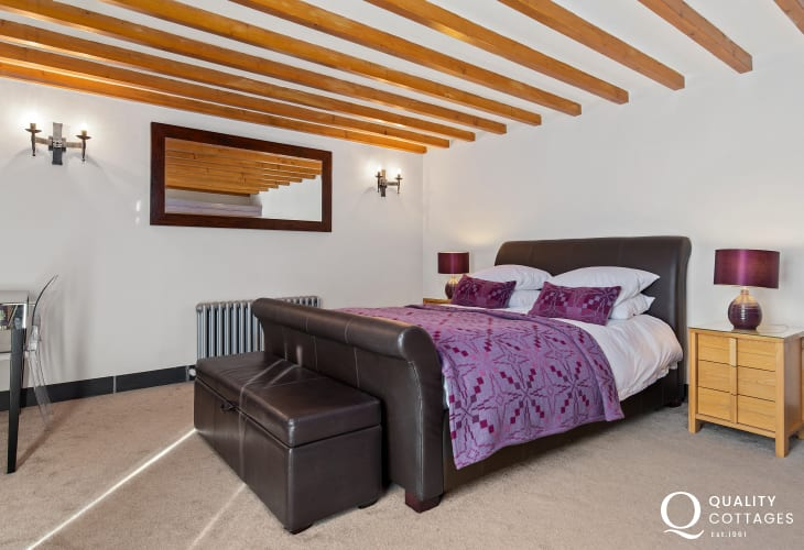 Ground floor kingsize bed in Mathry Pembrokeshire cottage