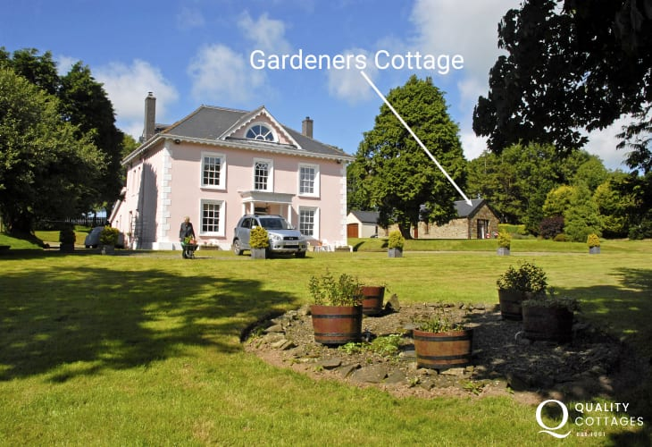 Gardeners Cottage - set within the grounds of The Grange Guest House