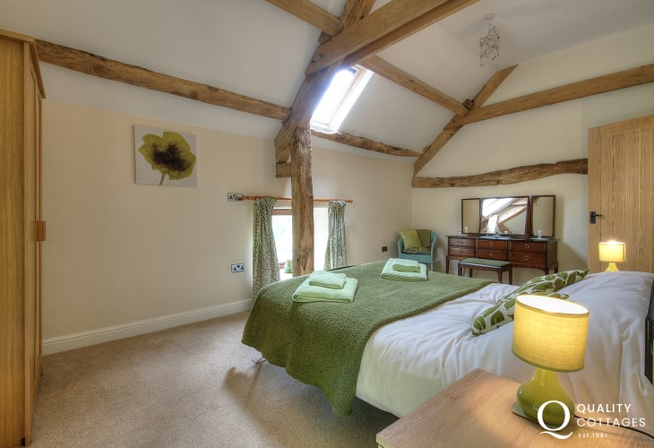 Pet friendly holiday cottage mid Wales - bedroom