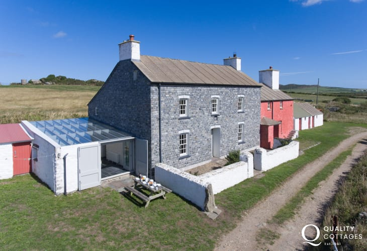 Welsh Georgian Farmhouse holiday Pembrokeshire