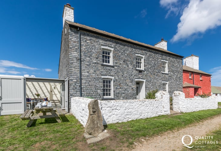 Holiday farmhouse Whitesands area Pembrokeshire