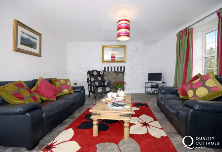 Traditional Pembrokeshire farmhouse near the coast - spacious lounge