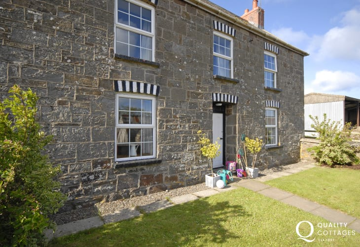 North Pembrokeshire restored farmhouse - family home with garden and pets welcome