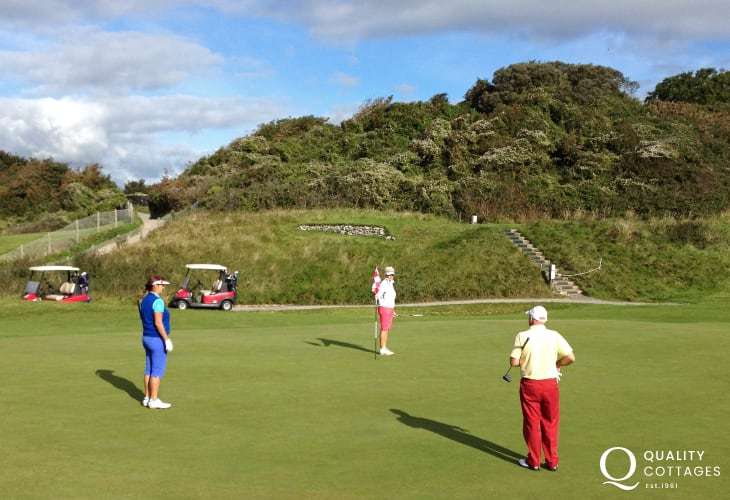 Tenby Golf Club and Trefloyne are just two of Pembrokeshire's top golf courses nearby