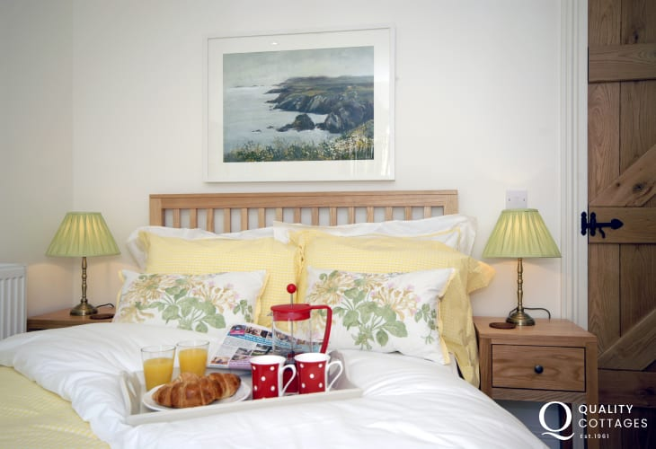 Breakfast in bed at 'Hafod'