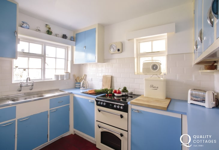Welsh coastal cottage - kitchen
