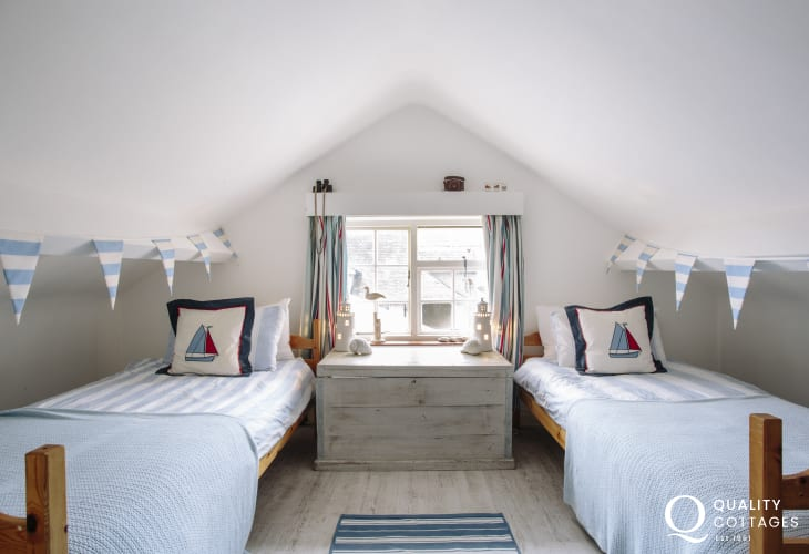 Holiday house for 8 Morfa Nefyn - twin bedroom