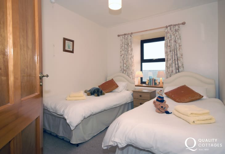 Porthgain holiday cottage - twin