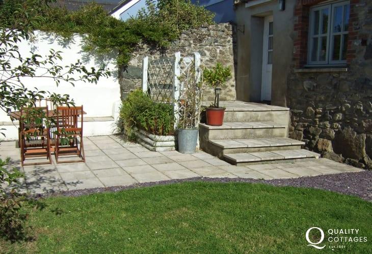 Pembrokeshire coastal cottage- garden