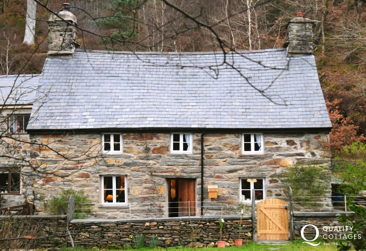 Rustic North Wales cottage for 4 - short breaks available