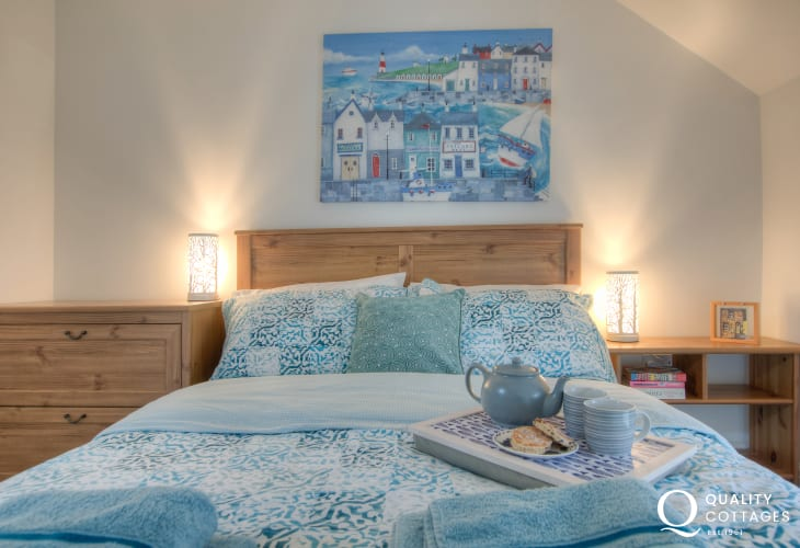 A romantic retreat in Laugharne just for two
