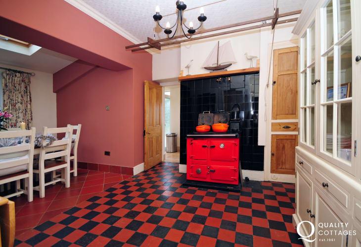 Morfa Nefyn large holiday house - spacious dining room.