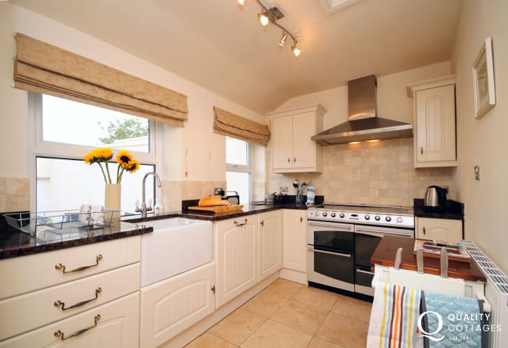 Large holiday house in North Wales, on the Llyn Peninsula - kitchen with range cooker, washing machine and dishwasher.