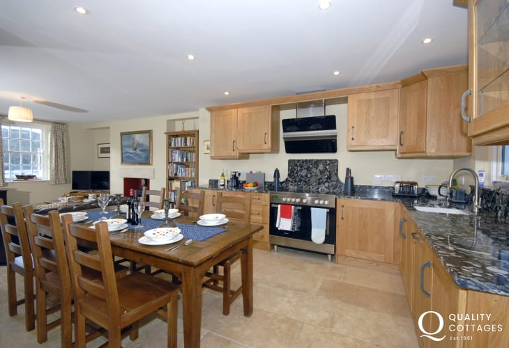 Self catering Pembrokeshire - luxury fitted kitchen open plan dining/living area