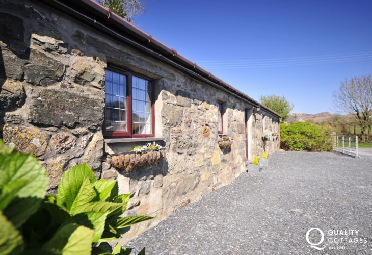 Pet friendly cottage Nefyn, North Wales - exterior