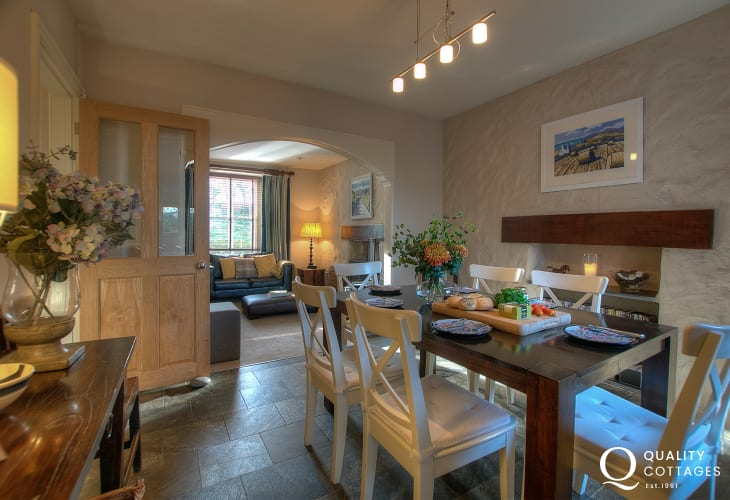 North Pembrokeshire holiday cottage - modern dining area