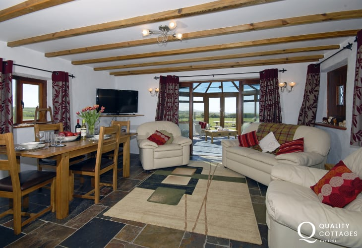 Rural coastal holiday cottage with open plan layout and countryside views, near Porthgain, Pembrokeshire