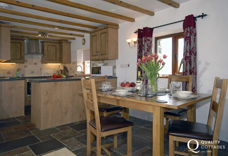 Abercastle self catering Pembrokeshire holiday cottage with open plan Kitchen/dining/living room