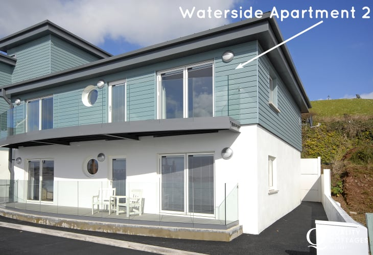 Haven Waterway Pembrokeshire - second floor apartment with deck and river views