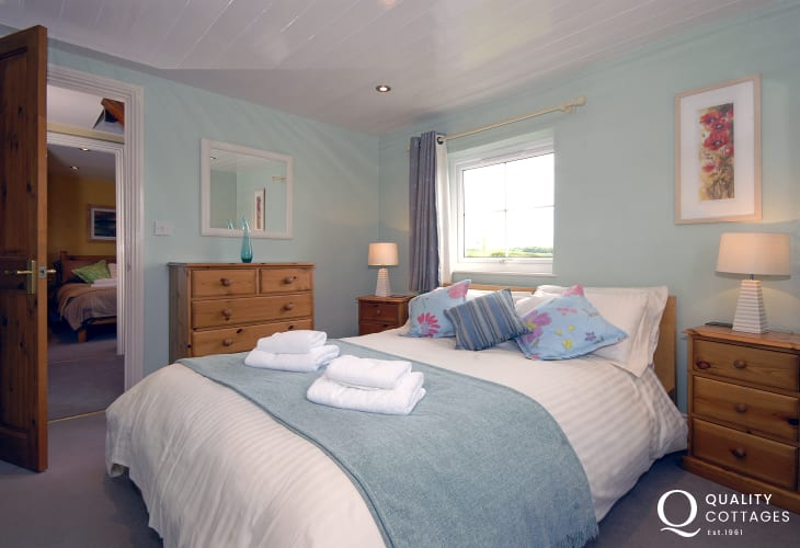 Holiday cottage on the Pembrokeshire coast sleeps 10 - first floor double with sea views