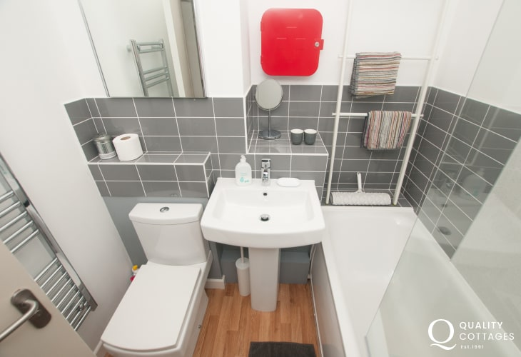 Luxury apartment Criccieth - bathroom