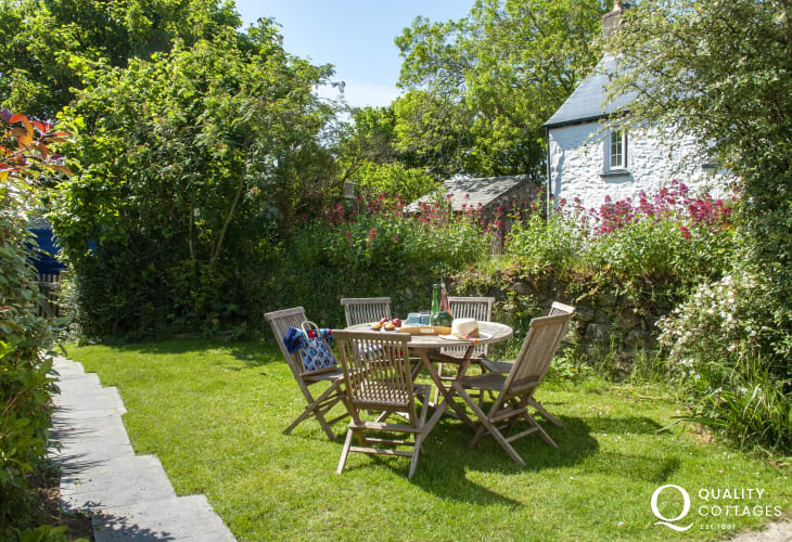 St Davids holiday cottage with sheltered garden