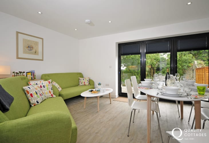 Large luxury holiday home Anglesey - lounge
