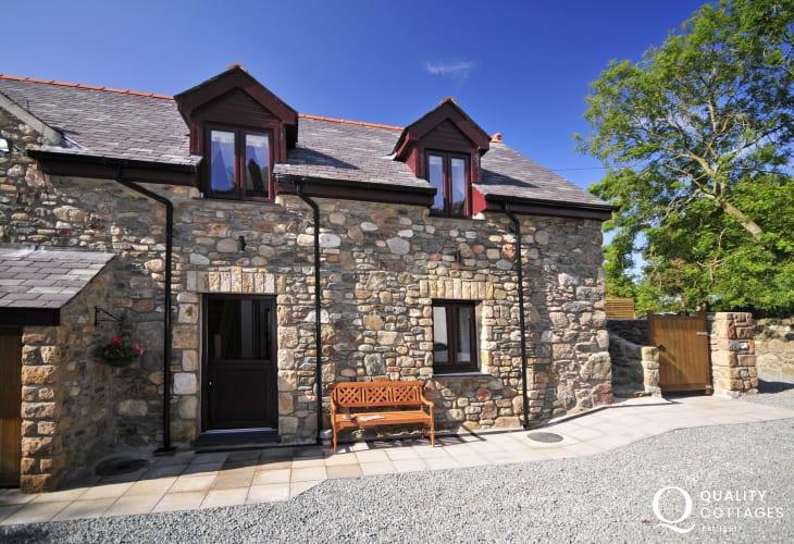 Aberffraw holiday cottage - exterior