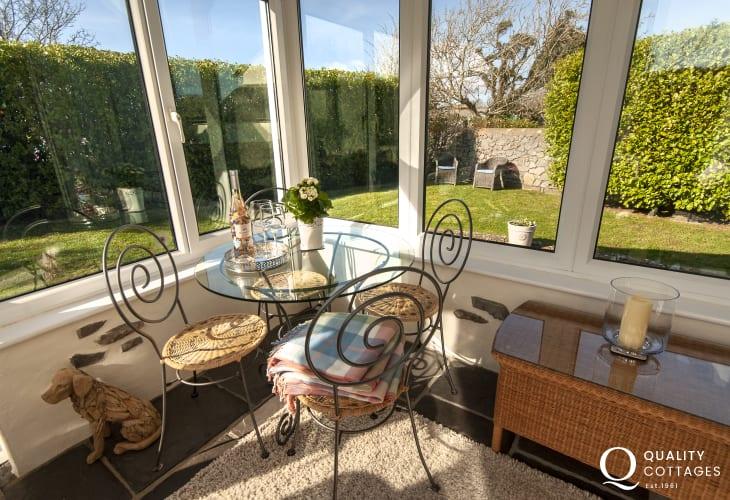 St Govans Head holiday cottage - garden room