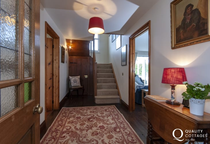 South Pembrokeshire family holiday cottage - hallway