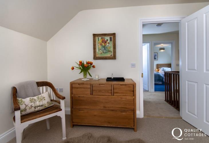 Bosherston luxury holiday cottage - master bedroom