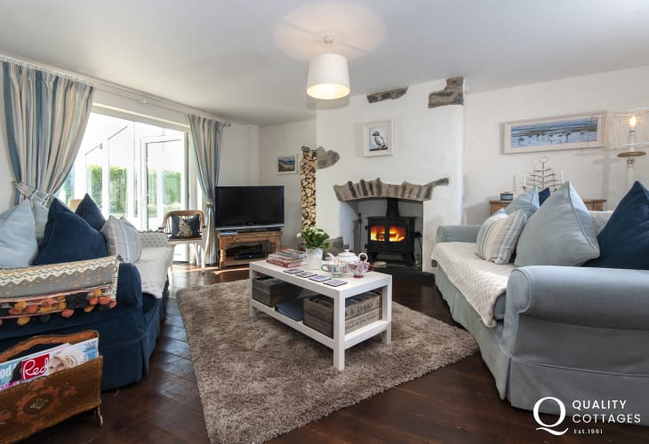 Bosherston Lilly Ponds cosy holiday cottage - sitting room with wifi and log burning stove