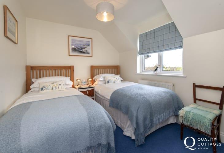 Holiday cottage Bosherston sleeping 6 - twin
