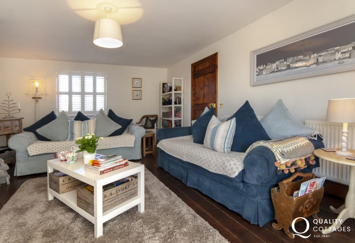 Bosherston holiday home - lounge with TV/DVD Sky Q Box with full SKY package and wifi