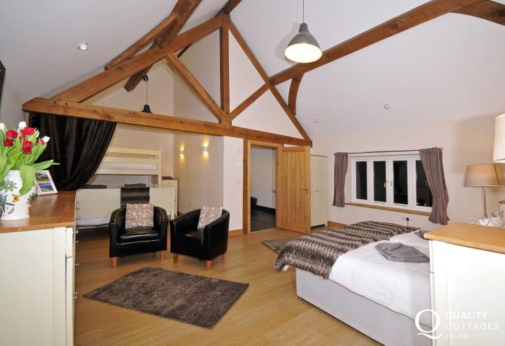 Mid Wales holiday house sleeping 25 - bedroom