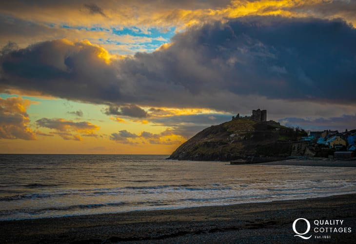 Coastal Sunset View on Criccieth Castle